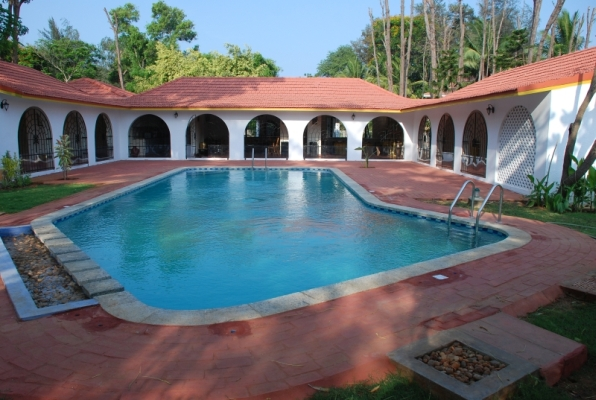 Farm house for rent chennai ecr lakshmi gardens for Ecr beach resorts with swimming pool prices